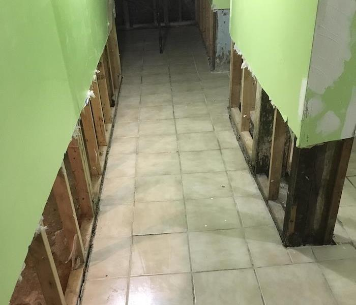 Tile floor with flood cuts on sheetrock